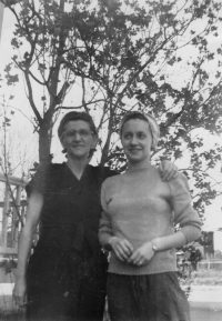 Maman (1930) avec sa mère (1906-1995)